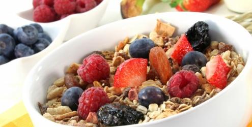 frutas-vermelhas-aveia-colesterol