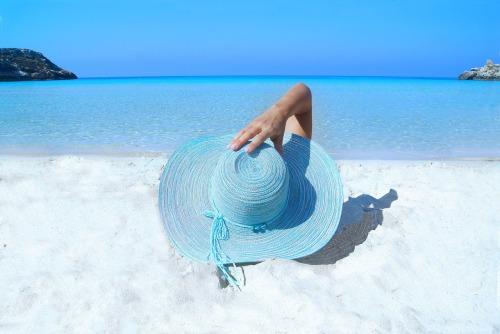 pixabay-na-praia-fashion-985556_1280